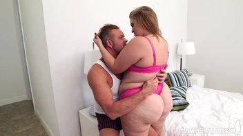 Зрелый мужик оттрахал жирную молодую любовницу