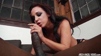 Большой черный член трахает проститутка Джаду Стивенс (Jada Stevens) в анал
