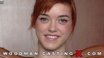 Кастинг Вудмана с улыбчивой рыжеволосой девушкой