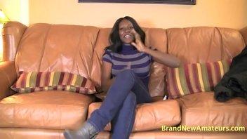 Черная красотка с большими сиськами, Жасмин хочет стать порнозвездой и заработать много денег