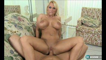 Секс с сисястой Holly Halston