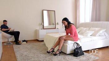 Футфетиш с идеальной зрелой женщиной Джасмин Джае