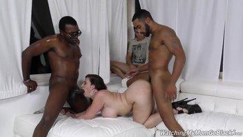 Пышная мамочка Сара Джей (Sara Jay) с тремя черными парнями
