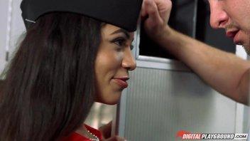 Молодой стюардессе Веронике Родригес (Veronica Rodriguez) захотелось поебатся