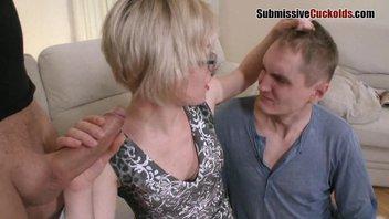 Страшную русскую жену долбит сосед во все щели на глазах мужа