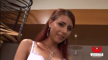 Сексуальная девушка с маленькими сиськами получила по полной