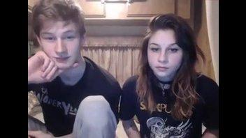 Пара подростков решили сделать домашнее видео