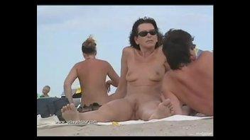 Лето. море. нудисты