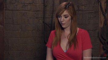 Рыжая красотка с большими сиськами обкончалась в БДСМ клубе Lauren Phillips