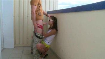 На балконе настучал подружке по молодым вкусным отверстиям