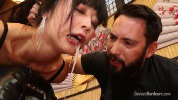 Развратная азиатка устроила сумасшедшую еблю с хуястым доминантом  Марика Хасэ (Marica Hase)