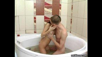 Молодая Ариэлька ебётся лучше всех 7, секс в ванной
