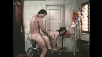 Американский трахарь Хершел Сэвадж (Herschel Savage) в ретро порнофильме