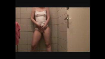 Дама в ванной