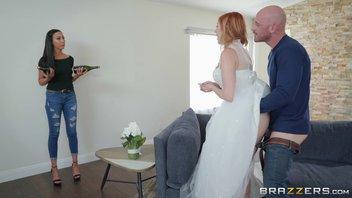 Мускулистый с большим хуем отец перед свадьбой устроил тест-драйв невесте своего сына Лорен Филлипс (Lauren Phillips)