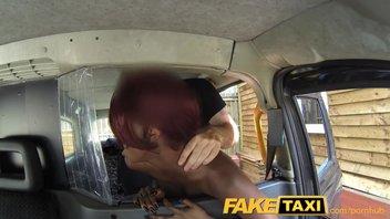FakeTaxi - Секс с темнокожей пассажиркой
