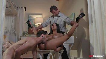 Самец охотно смотрит, как другой отлично его телку трахает, Элиза Ибарра (Eliza Ibarra)