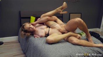 Сисястая Максим Ло (Maxim Law) в мощном сексе