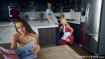 Алекс Легенд удивляет свою жену Эбигейл Мак специальным подарком; Браззибот Николетт Ши!.