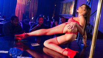 Секс вечеринка для Мэдисон Иви закончилась горячим сексом