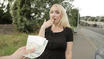 Пикапер дерет молодую русскую девушку с большими сиськами в ее развратную пизденку