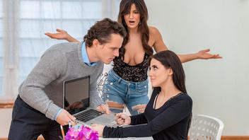 Брюнетка решила помирить конфликтующую пару при помощи страстного секса втроем