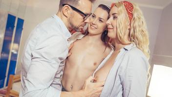 Похотливый Эрик Эверхард оттрахал брюнетку и ее светловолосую подружку