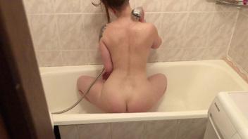 Секс от первого лица в ванной и кончил на лицо