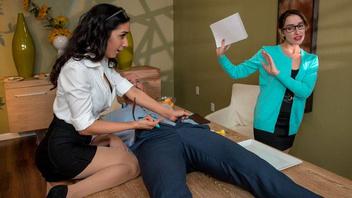 Начальница сильно хочет лысого самца, Джонни Синс (Johnny Sins) и Тиа Сайрус (Tia Cyrus)