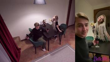 Блогер напоил русскую  блонду и выебал ее в анал