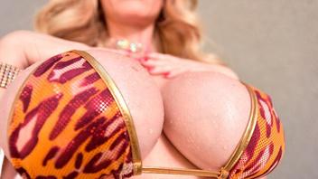 Грудастая блондинка Каска Акашова (Casca Akashova) на большом хуе