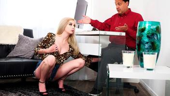 Блондиночка Лекси и зрелый хуй самца,  Лекси Лор (Lexi Lore)