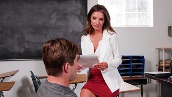 Учительница  хочет молодого студента, Сильвия Сэйдж (Sylvia Sage)
