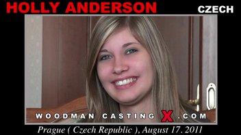 Улыбчивая блондинка Холли Андерсон пришла на кастинг Вудмана