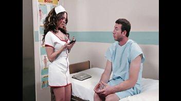 Секс с медсестрой в палате