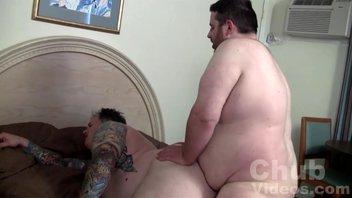 Два жирных пидара