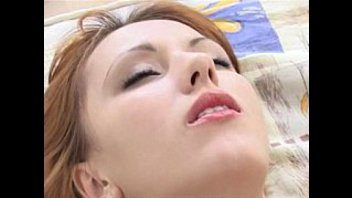 Русская чикса трахается на кровати
